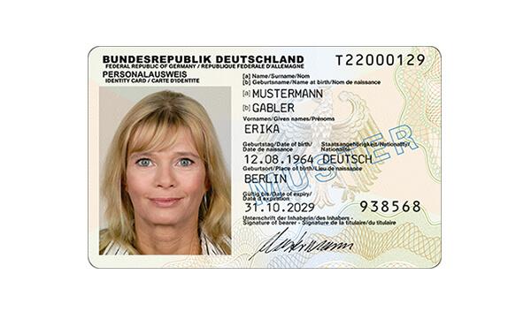Personalausweis mit Online-Ausweis-Funktion (Bild: Bundesdruckerei)